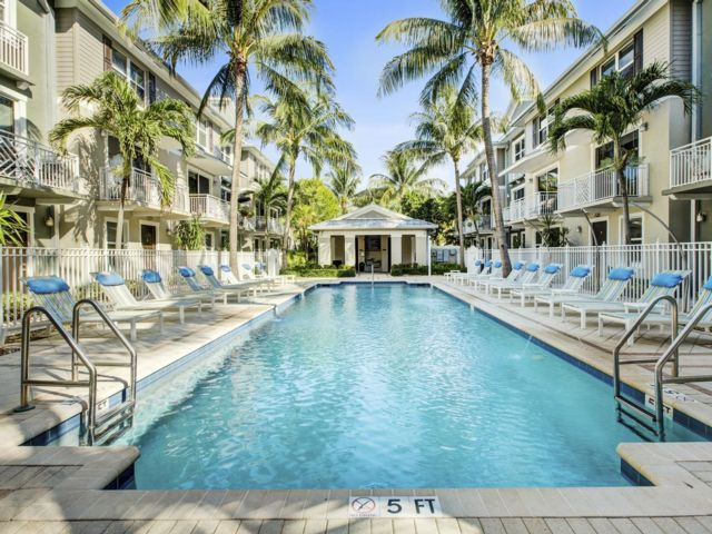 3 BR,  2.50 BTH Apartment style home in Wilton Manors