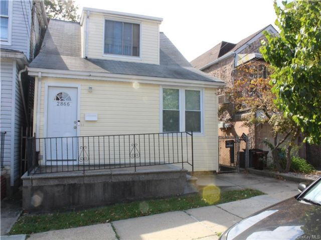 3 BR,  2.00 BTH Colonial style home in Pilgrim