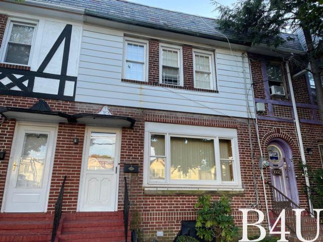3 BR,  2.50 BTH Duplex style home in Brooklyn