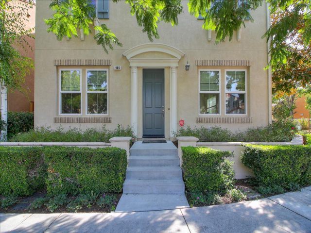 5 BR,  4.00 BTH Traditional style home in Santa Clara