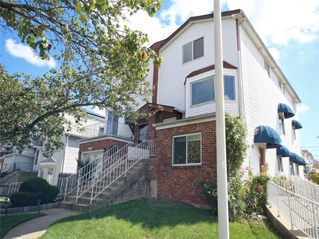4 BR,  4.00 BTH Multi-family style home in Heartland Village