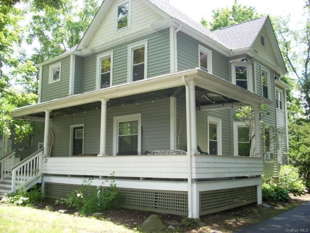 4 BR,  2.00 BTH 2 story style home in Shawangunk