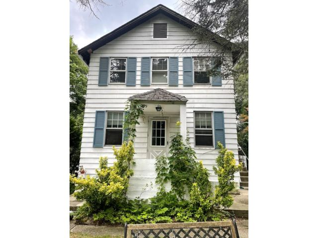 4 BR,  2.00 BTH 2 story style home in Huntington Station
