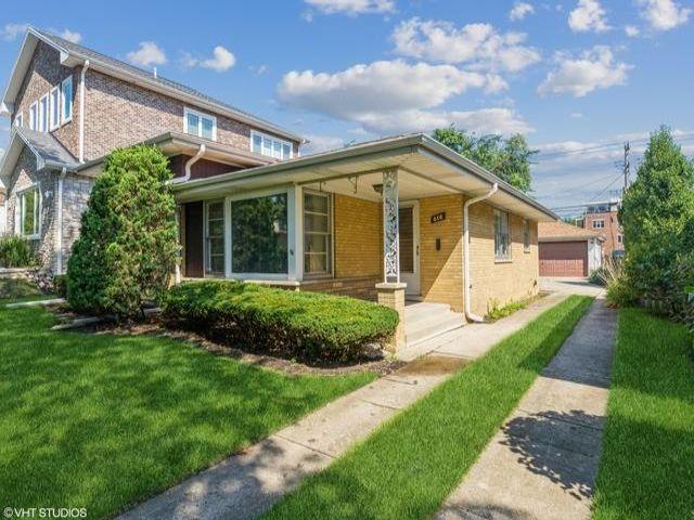 3 BR,  1.50 BTH Split-level style home in Park Ridge