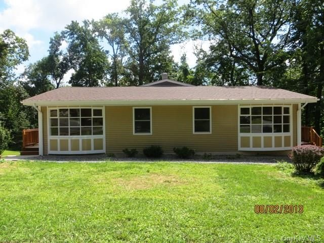 5 BR,  4.00 BTH Ranch style home in New Windsor