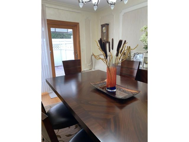 4 BR,  2.50 BTH 2 story style home in Bergen Beach