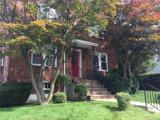 2 BR,  1.00 BTH Multi family style home in White Plains