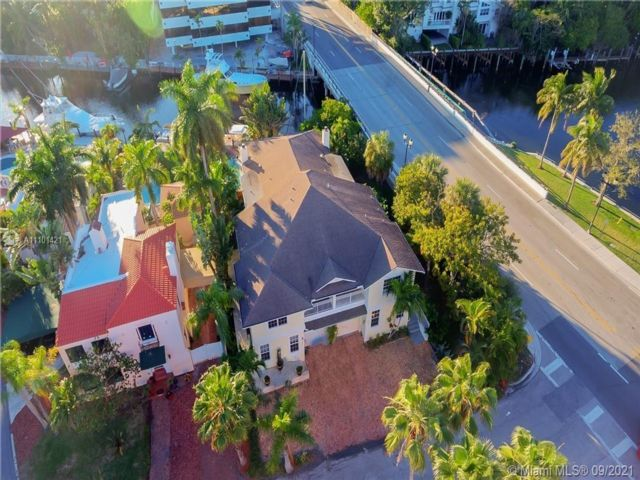 5 BR,  4.00 BTH  style home in Fort Lauderdale