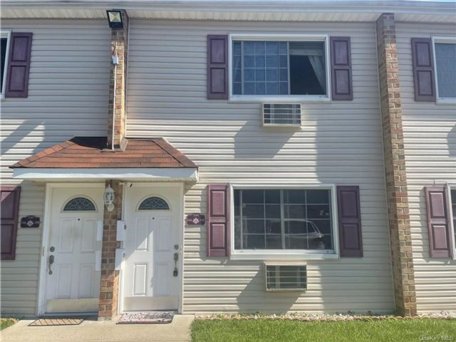 1 BR,  1.00 BTH House style home in Great Kills