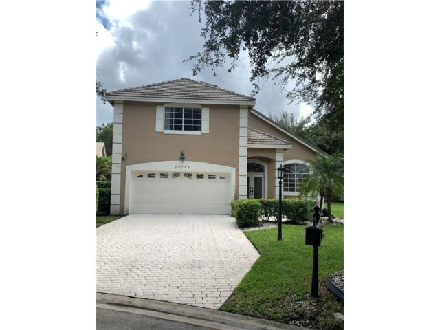4 BR,  2.50 BTH  style home in Coral Springs