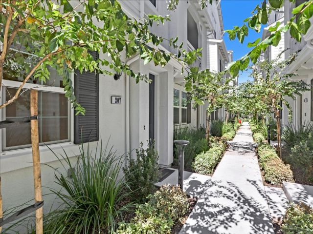4 BR,  3.50 BTH Townhouse style home in Milpitas