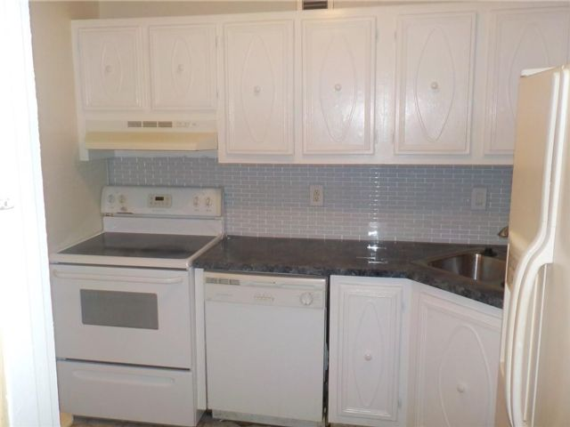 2 BR,  2.00 BTH  style home in Oakland Park