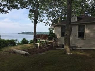 4 BR,  2.00 BTH  style home in Shelter Island