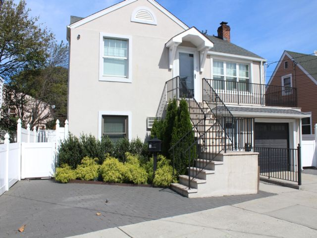 [Throggs Neck Real Estate, listing number 7005586]