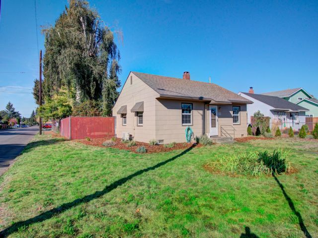 2 BR,  1.00 BTH Bungalow style home in Vancouver