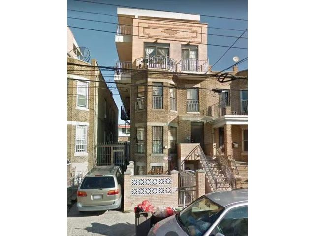 17 BR,  0.00 BTH Multi-family style home in Sunset Park