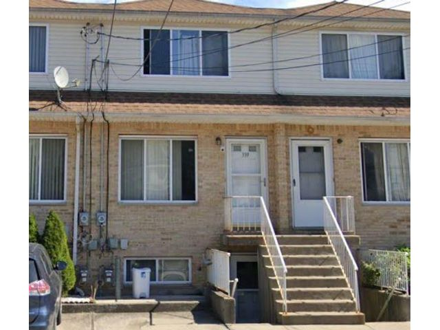 3 BR,  3.00 BTH Single family style home in Mariners Harbor