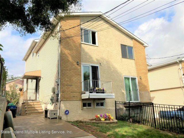 4 BR,  2.00 BTH Single family style home in Mariners Harbor