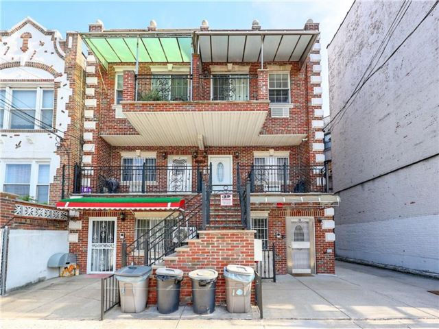 2 BR,  2.00 BTH Condominium style home in Dyker Heights