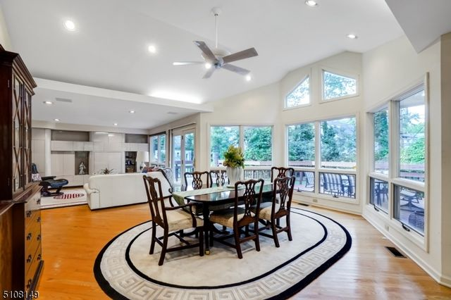 4 BR,  3.50 BTH Contemporary style home in Montclair