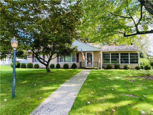 3 BR,  1.00 BTH Ranch style home in Newburgh
