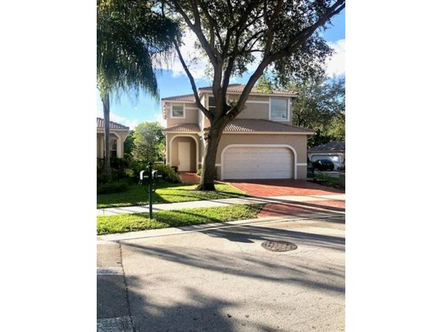 4 BR,  3.00 BTH  style home in Coral Springs