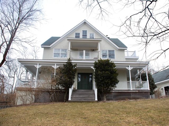 5 BR,  3.50 BTH Farm house style home in Shelter Island