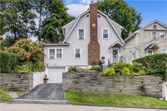 3 BR,  3.00 BTH Colonial style home in White Plains