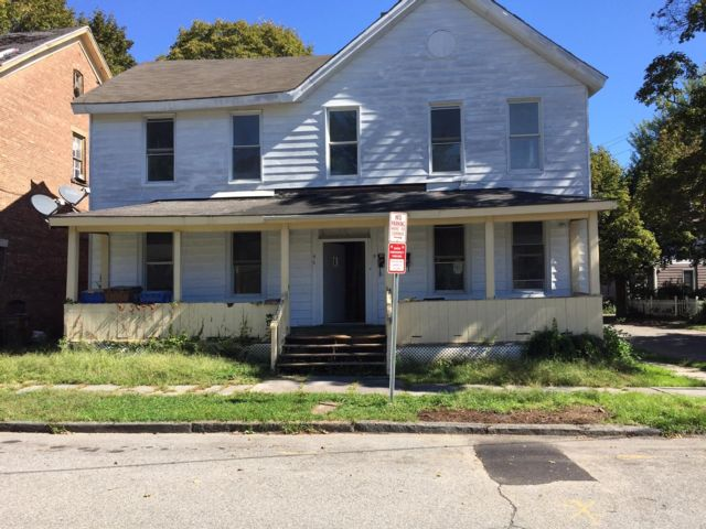 4 BR,  1.50 BTH Apartment style home in Kingston