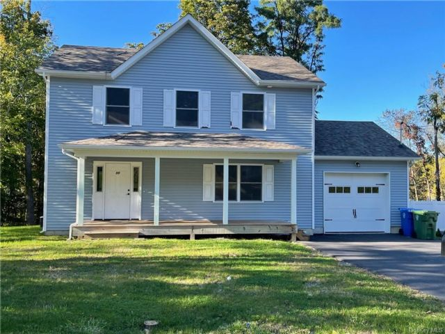 3 BR,  3.00 BTH Single family style home in Middletown