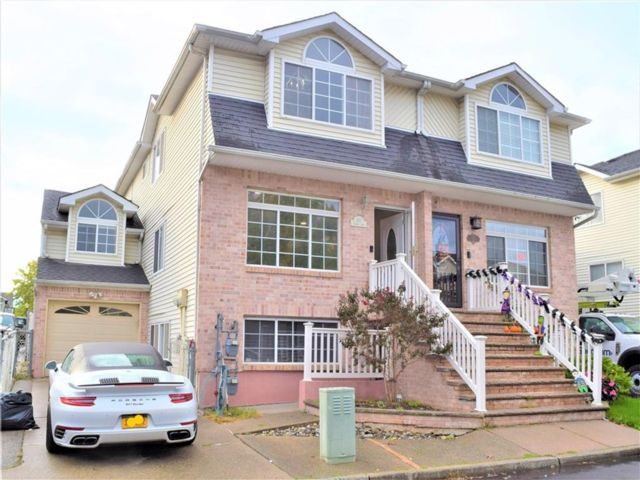 3 BR,  2.00 BTH Multi-family style home in Woodrow