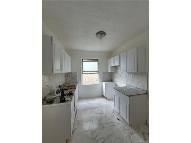 3 BR,  1.00 BTH Apartment style home in Wakefield