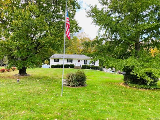 3 BR,  2.00 BTH Single family style home in Cornwall