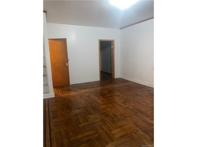 3 BR,  1.00 BTH Apartment style home in Woodlawn