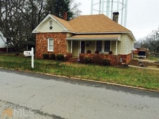 3 BR,  2.00 BTH Single family style home in Griffin