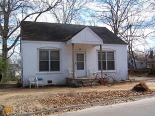 4 BR,  1.00 BTH  Single family style home in Griffin