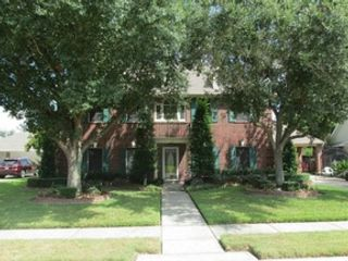 4 BR,  2.00 BTH  Traditional style home in Pasadena