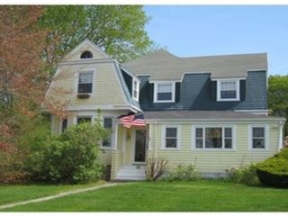 5 BR,  4.50 BTH Colonial style home in Dartmouth