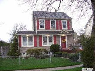 2 BR,  2.50 BTH Cottage style home in New Bedford