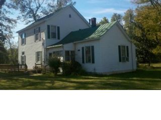 3 BR,  2.00 BTH  Cape cod style home in New Bedford