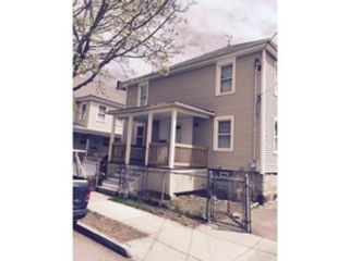3 BR,  2.00 BTH Single family style home in Tiverton