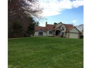 3 BR,  2.50 BTH Cape cod style home in New Bedford