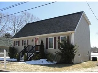 3 BR,  2.50 BTH Colonial style home in Fairhaven