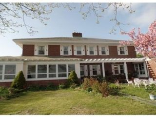 6 BR,  6.50 BTH Multi-family style home in New Bedford