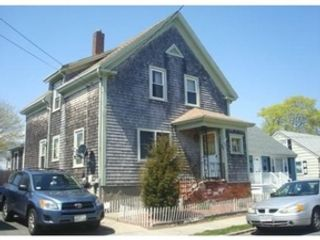4 BR,  3.50 BTH Single family style home in Marion