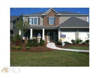 4 BR,  3.50 BTH Cape cod style home in Atlanta