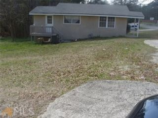 5 BR,  4.00 BTH  Single family style home in Gainesville