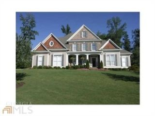 5 BR,  5.50 BTH Single family style home in Roswell