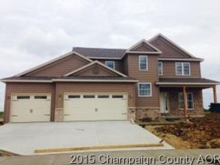 5 BR,  4.50 BTH 2 story style home in Mahomet
