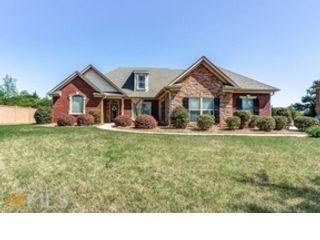 5 BR,  4.50 BTH Single family style home in Greensboro